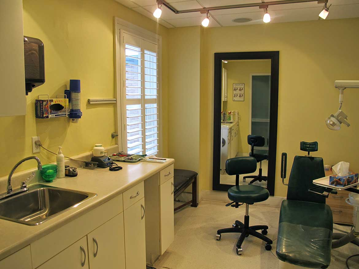 Brockville Denture Clinic room